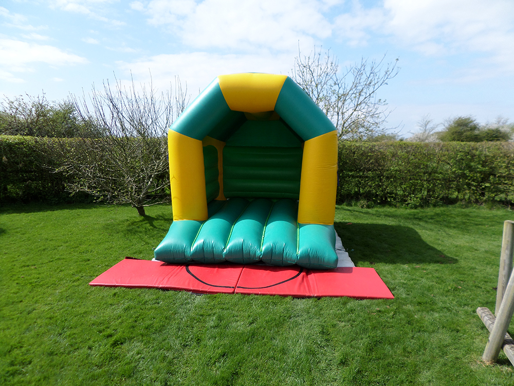 The Basic castle is one of our more traditional bouncy castles. Ideal for themed birthday parties or even corporate events, they are perfect for personalising with our huge range of banners - from Transformers to Postman Pat! Suitable for all ages.