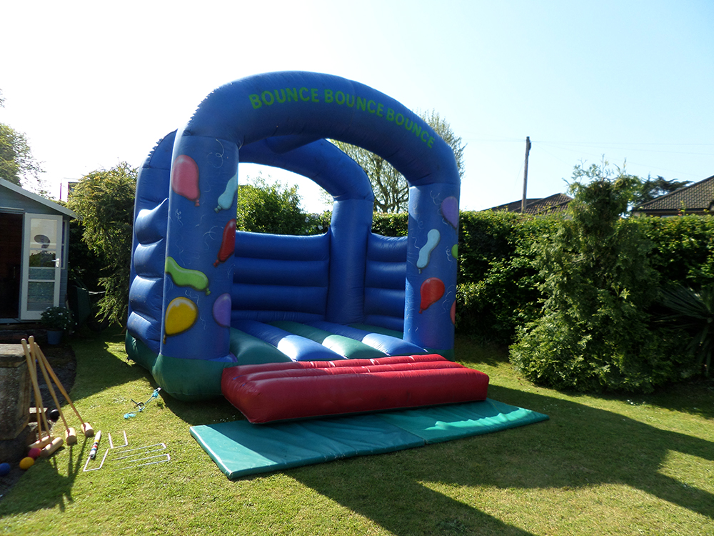 Have a blast with this Balloon Party bouncy castle! Great for birthday parties, celebrations and school leavers parties! Suitable for ages up to 16.